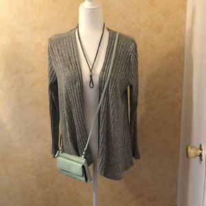 Petite medium cardigan with purses &necklace